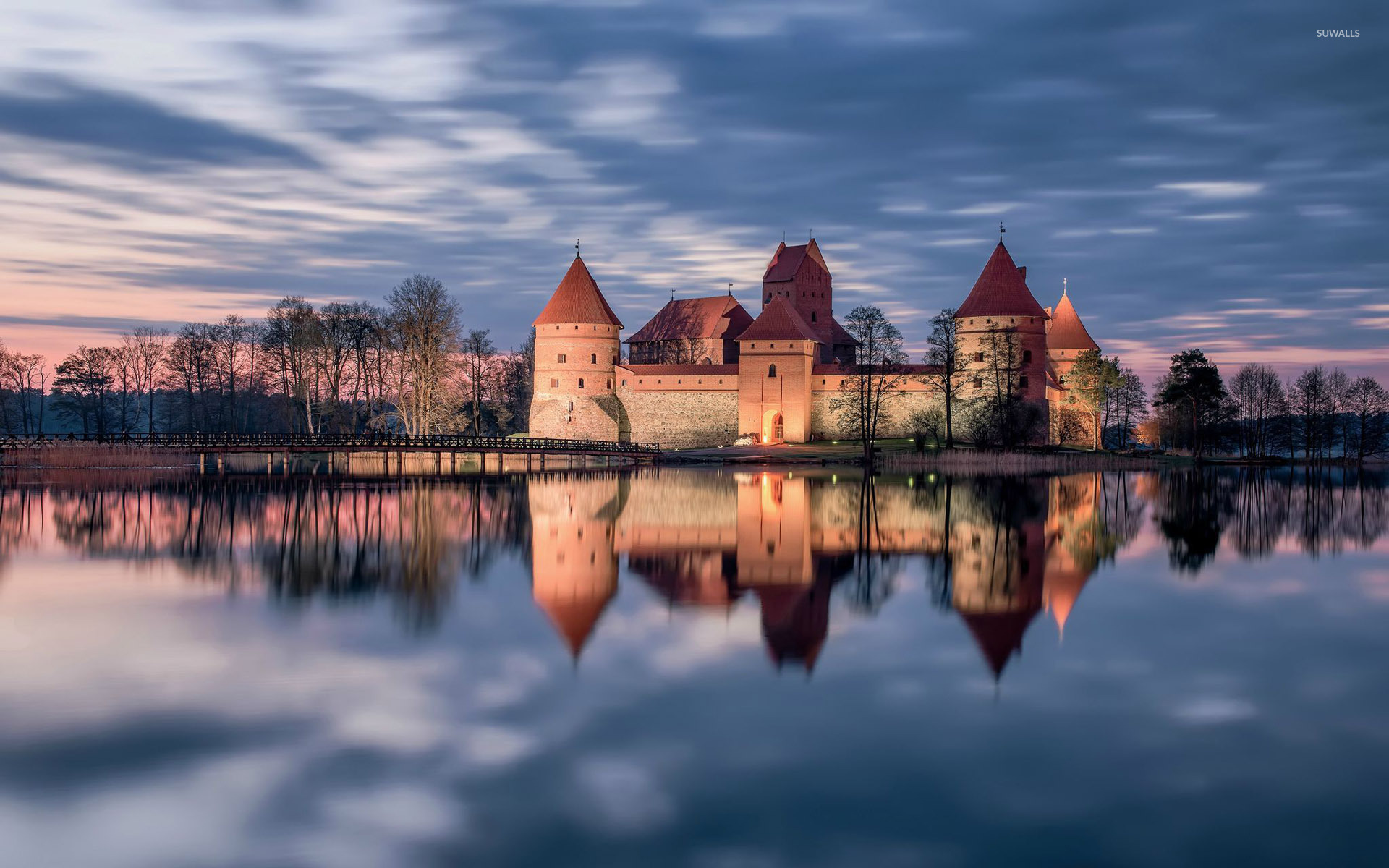 trakai-castle-lithuania-29200-1920×1200